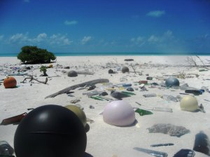 Museum für Kunst und Gewerbe/ NOAA Every year 6.4 million tons of trash reach the world's seas. Pictured here is trash-strewn Papahanaumokuakea Marine National Monument in Hawaii.