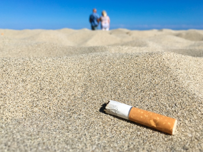 cigarette-butt-on-the-beach-1495043177Zat